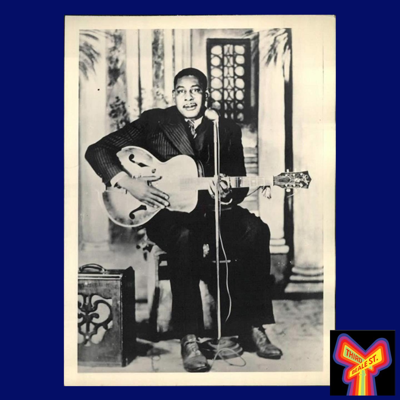 "Caption: 1940s RCA Victor publicity shot for Arthur ""Big Boy"" Crudup."