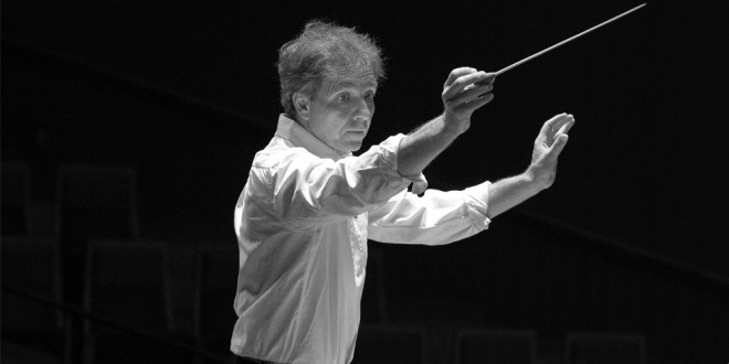 Caption: Conductor Thierry Fischer, Credit: Kousaku Nakagawa