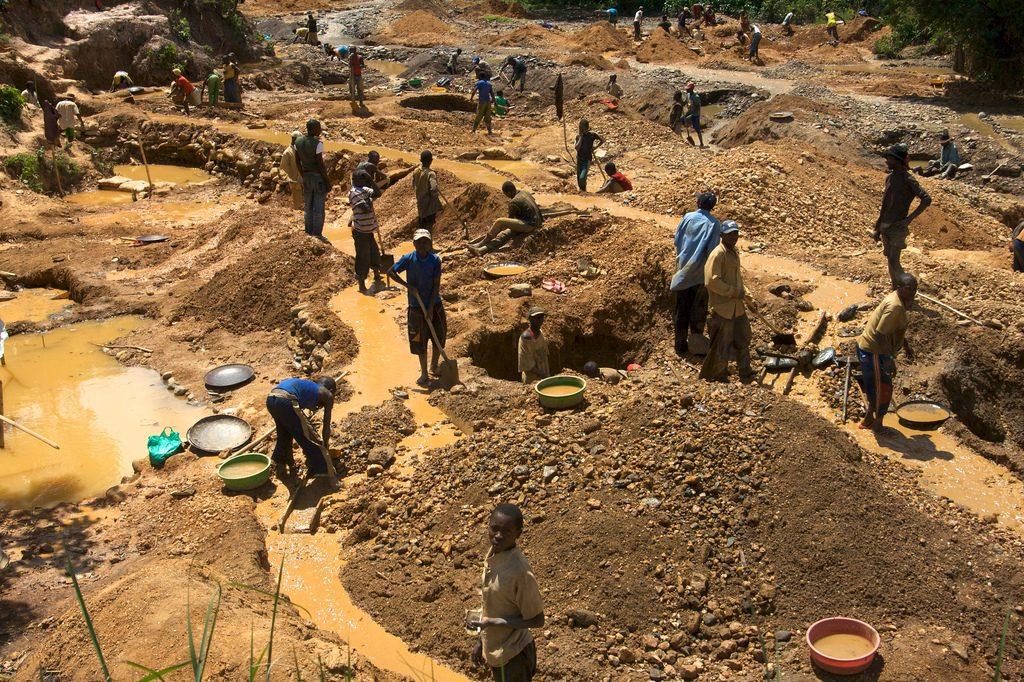 Illegal-mining-1024x682_small