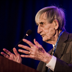 Caption: Freeman Dyson speaks at the 2018 International Space Development Conference after receiving the National Space Society's Heinlein Award., Credit: National Space Society