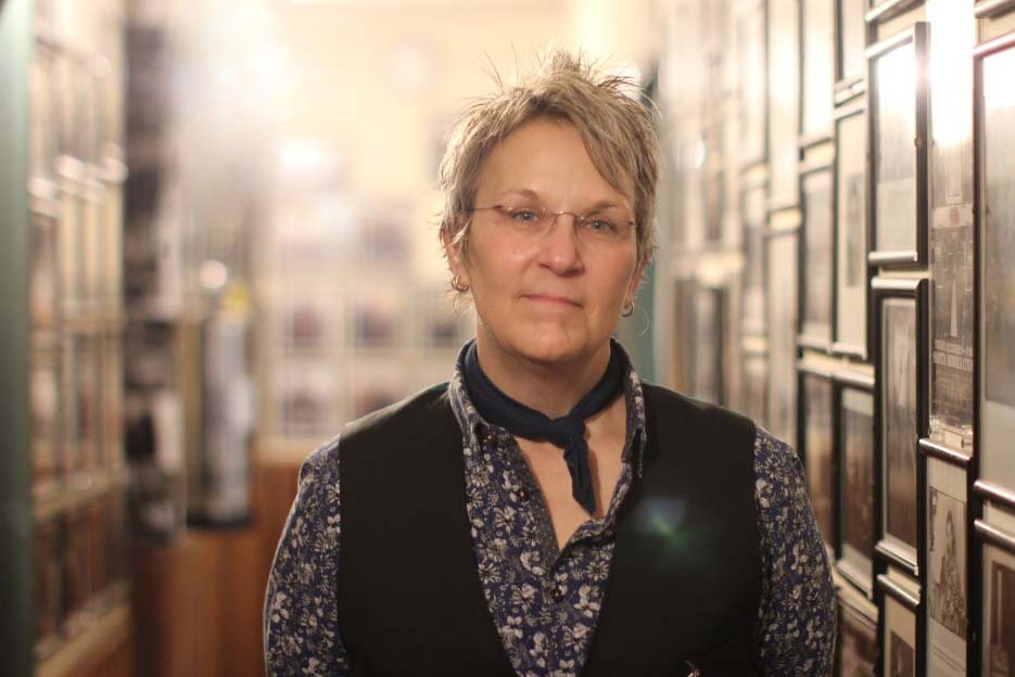 "Caption: Singer-songwriter Mary Gauthier appeared at McCabe's Guitar Shop in Santa Monica, Cal. as part of her nationwide tour for ""Rifles and Rosary Beads."", Credit: Libby Denkmann/American Homefront"