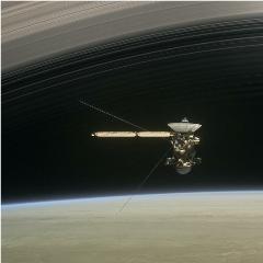 Cassini-above-saturn_small_small