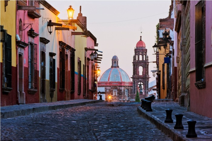 Caption: Guanajuato, Mexico