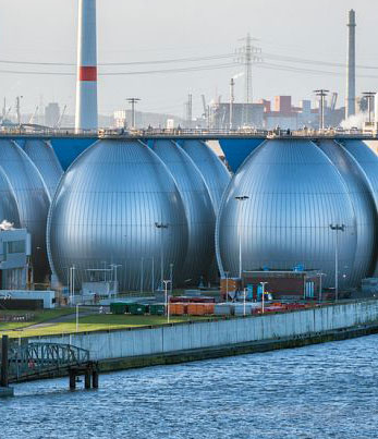 Caption: Desalination plant in Hamburg, Germany, Credit: World Atlas | worldatlas.com/articles/can-we-make-drinking-water-out-of-ocean-water.html