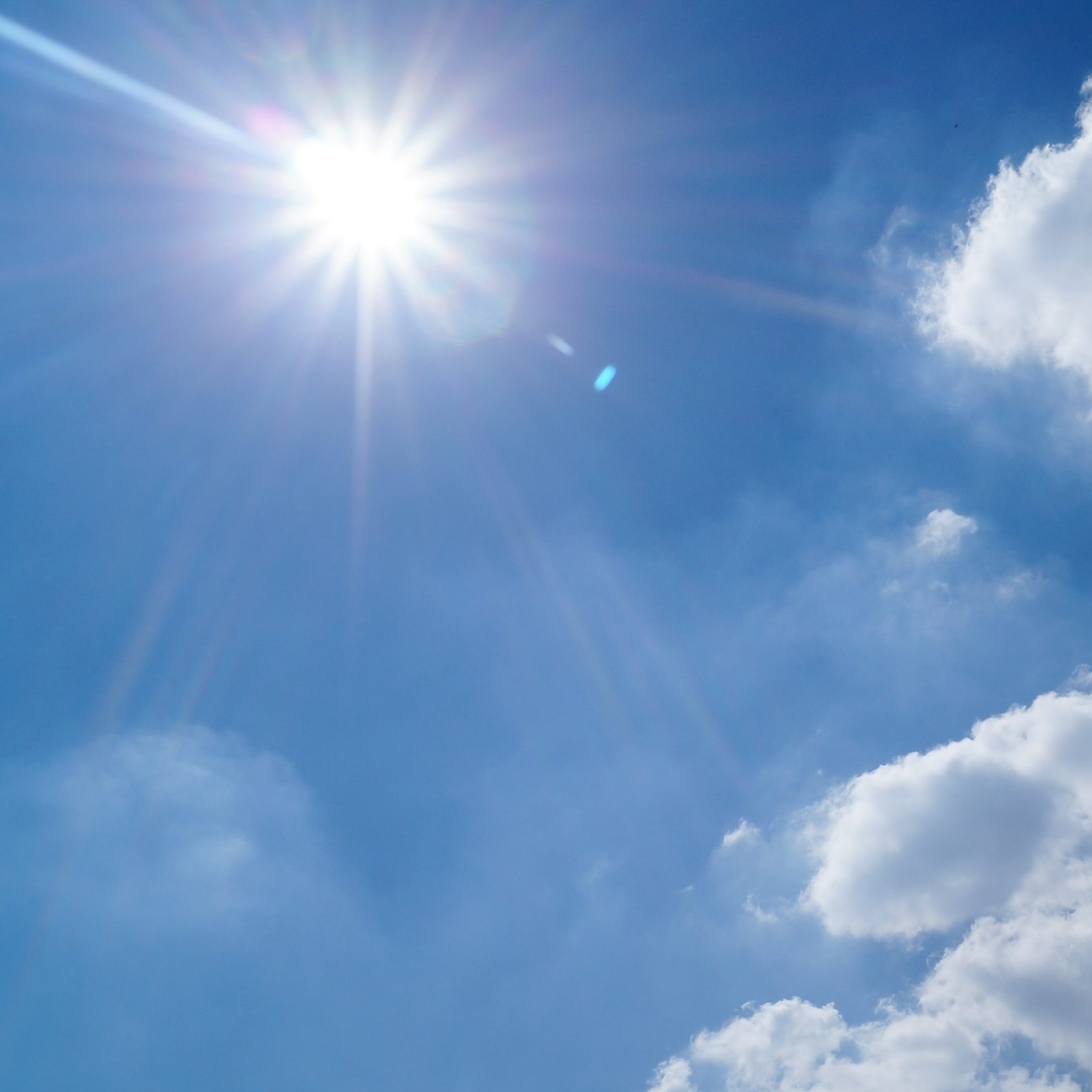 Blue-bright-clouds-3768_leech_lake_small