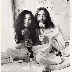 Caption John Lennon Yoko Ono At Montreal Bed In 1969