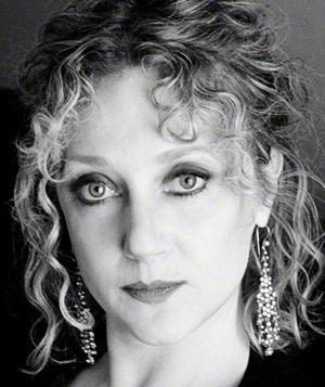 Caption: Carol Kane