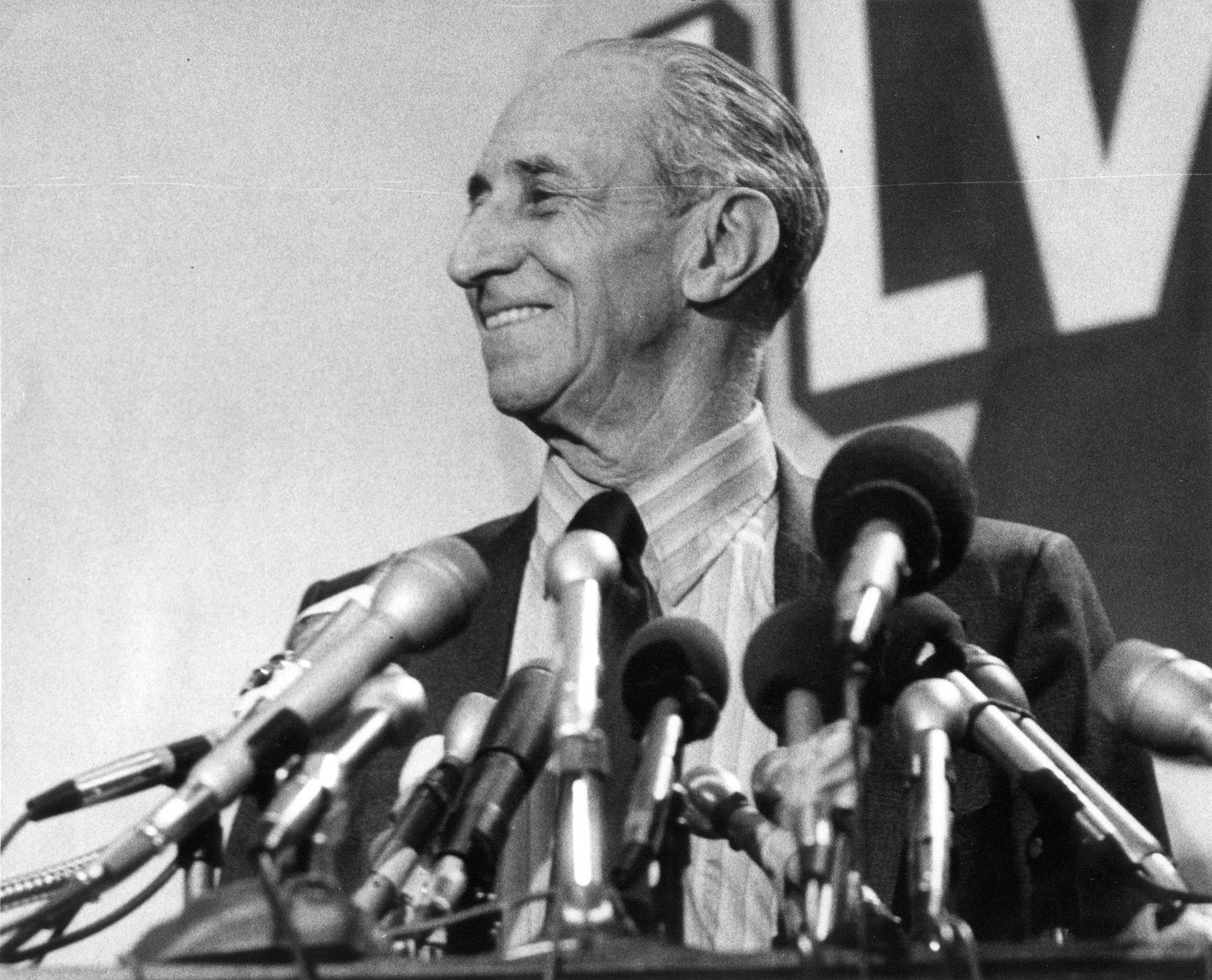 Caption: Harry Bridges at 1971 Press Conference