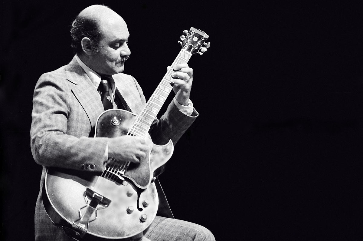 Caption: Joe Pass