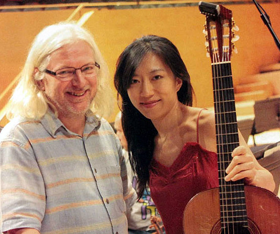 Caption: Stephen Goss and Xuefei Yang, Credit: Guitare Classique
