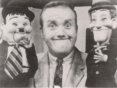 Caption: Lengenary puppeteer, children's show host and voice actor Chuck McCann, Credit: TVparty.com