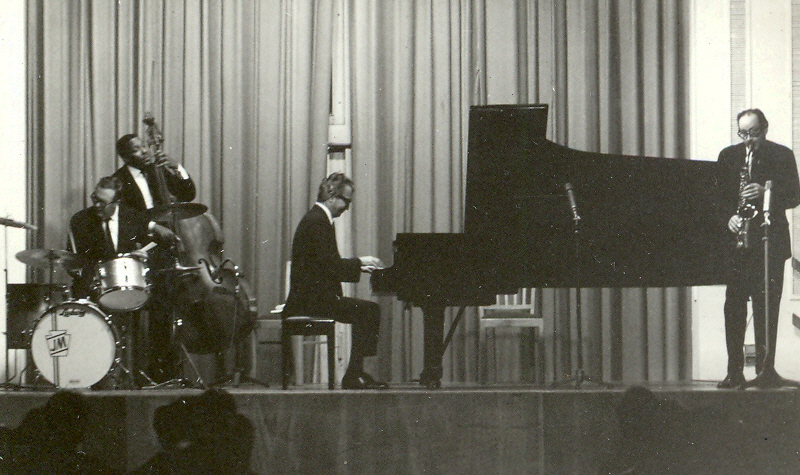 "Caption: Dave Brubeck Quartet 1967. From left to right: Joe Morello, Eugene Wright, Brubeck and Paul Desmond., Credit: <a href=""http://en.wikipedia.org/wiki/File:Davebrubeckquartet1967a.jpg"">wikipedia</a>"