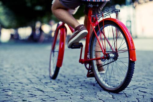 "Credit: <a href=""http://www.shutterstock.com/cat.mhtml?searchterm=bike&search_group=&lang=en&search_source=search_form#id=98638544&src=_sEKDqVzkz08GmqjvVOvmg-1-1"">Shutterstock</a>."