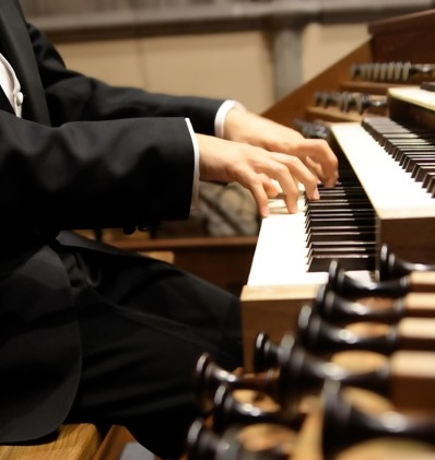 Caption: Nathan J. Laube, organist, Credit: 2007, Richard Alexander
