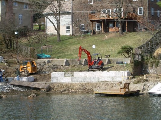 how to build a seawall on a lake