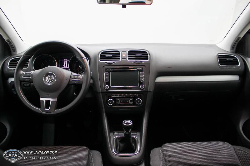 2013 volkswagen golf usag concession vw qu bec laval for Golf interieur laval