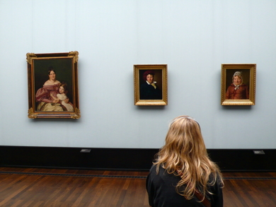 Girl-looking-at-triptych