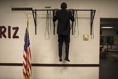 Obama-pull-up