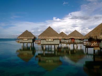 Tahitian-bungalows