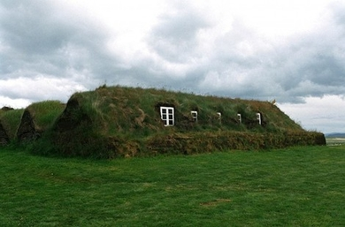 Turf-house-in-iceland