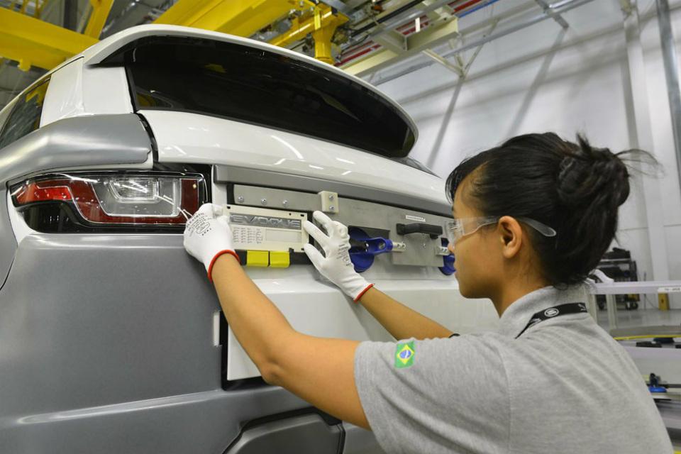 Jaguar-Land-Rover-planta-2