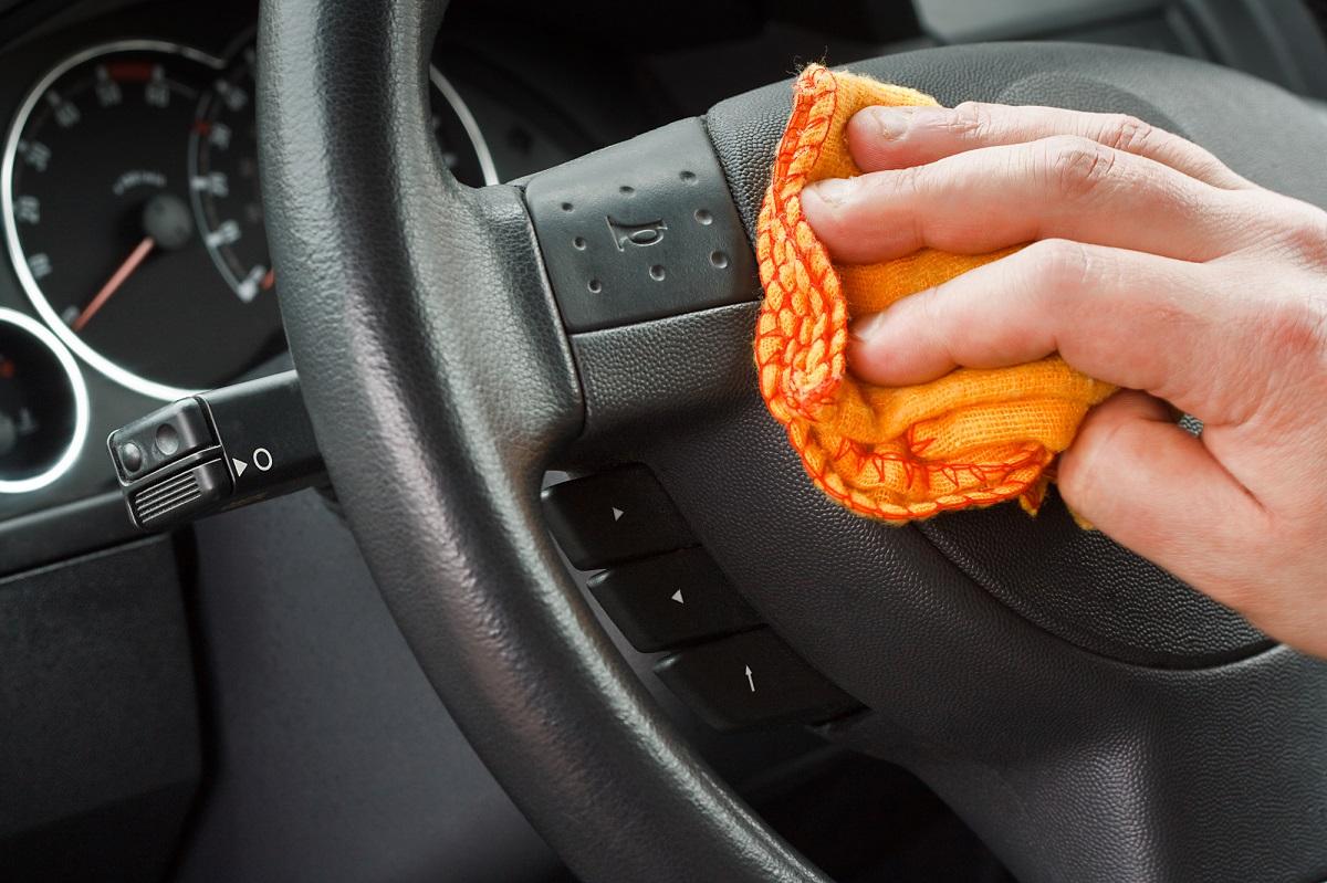gu a r pida para limpiar a fondo el interior de tu auto todoautos. Black Bedroom Furniture Sets. Home Design Ideas