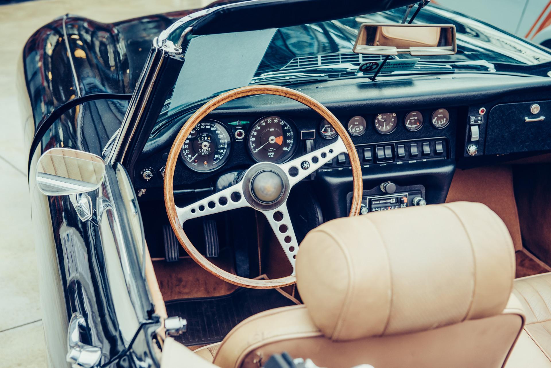 Auto clasico interior