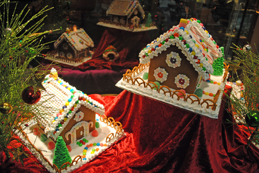 Last Chance To Sign Up For Gingerbread House Decorating Party