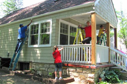 Habitat for Humanity volunteers in Prairie Village, Kan.