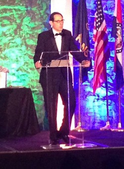 Alan Gaylin accepting the award at the GKCRA ball Saturday. Photo via GKCRA Twitter.