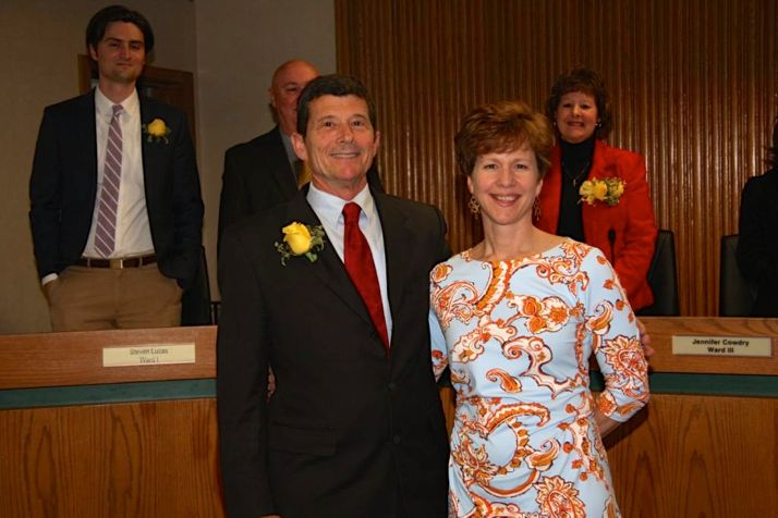 Steve Schowengerdt and Laura McConwell traded places Wednesday night at the Mission City Council meeting.