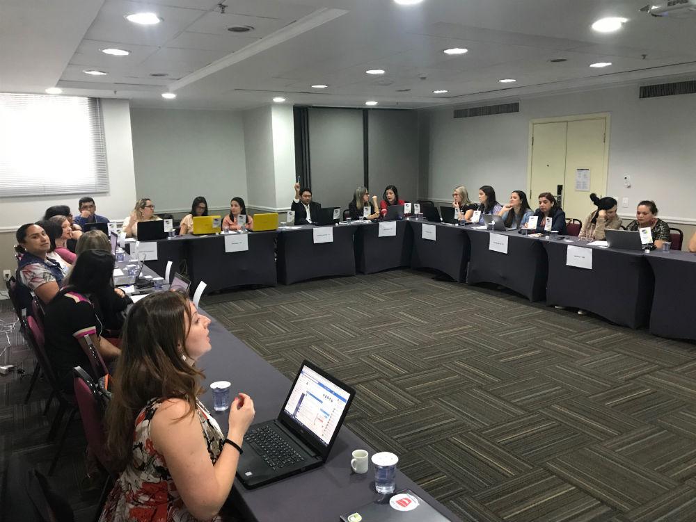 Apresentação do QEdu para secretários municipais de Educação, durante a Ação de Reconhecimento do Conviva