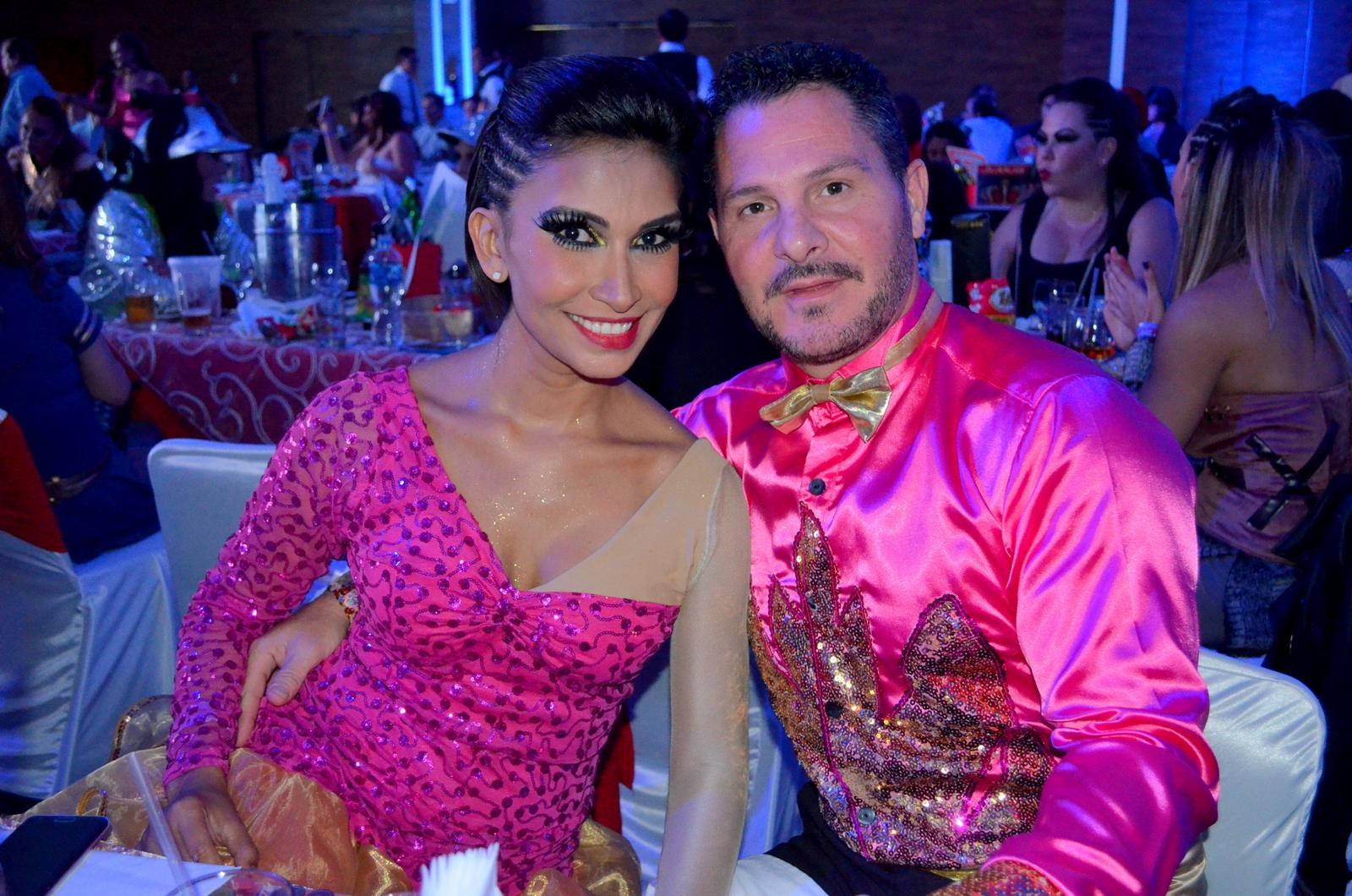 Perfecto Vestido De Novia J Lo Foto - Colección de Vestidos de Boda ...