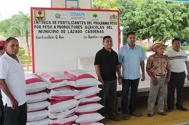 Apoyan-en-la-producción-a-agricultores