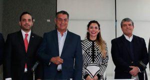 El-Bronco-pide-licencia-como-gobernador-de-NL-para-buscar-candidatura-presidencial