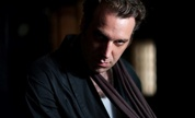Chilly_gonzales_1348149474_crop_178x108