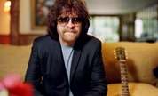 Jeff_lynne_1349798452_crop_178x108