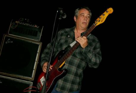 Mike_watt_1394118554_resize_460x400