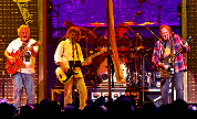 Neil_young_1405682103_crop_178x108