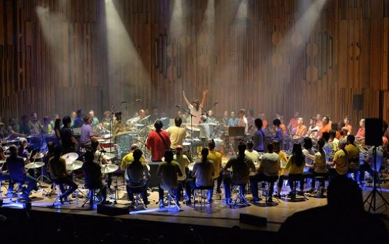Ma_boredoms_barbican_713-_c_mark_allan_1436026845_crop_558x350