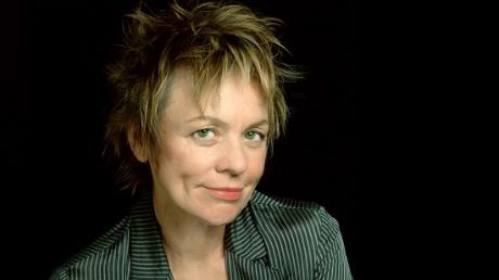 Laurie_anderson_1453311181_resize_460x400