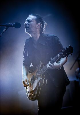 Radiohead_roundhouse-14_1464422142_resize_460x400