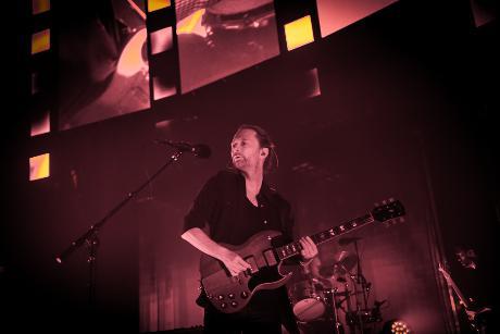 Radiohead_roundhouse-2_1464421930_resize_460x400