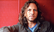 1245603983-eddievedder_1247221496_crop_178x108