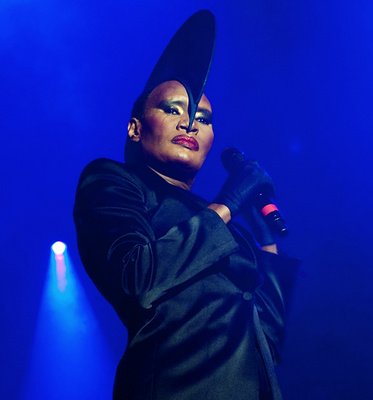 Grace_jones_3_1248432648_resize_460x400