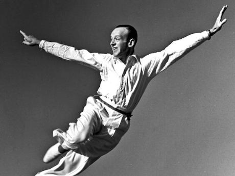 30s_fred_astaire_1508245459_resize_460x400