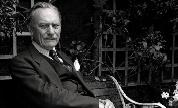 Enoch_powell_in_garden_allan_warren_1524138088_crop_178x108