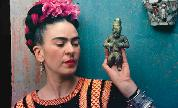 Teacher-twilightfrida-kahlo-making-her-self-up_960_1528626953_crop_178x108