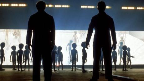 Close_encounters_third_kind_1977_05-h_2017_1533318040_resize_460x400