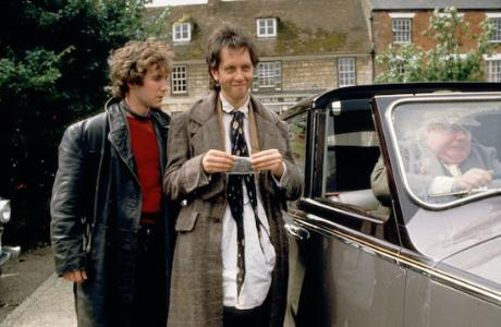 Withnail-and-i-1987-045-paul-mcgann-richard-e-grant-smirking-00m-eu6_1533318123_resize_460x400
